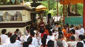 2014-05may-02-nithyananda-diaryIMG_3692_varanasi-innerawakening-crowd-swamiji