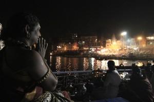 2014-04apr-29-nithyananda-diary_IMG_3434_varanasi-manikarnika-ghat-ganga-arati_0
