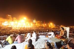 2014-04apr-29-nithyananda-diary_IMG_2395_varanasi-manikarnika-ghat-ganga-arati