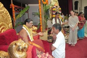 2014-08aug-29-nithyananda-diary_IMG_0237_bidadi-swamiji-kalpataru-darshan