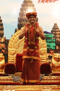 2014-10oct-31st-nithyananda-diary_IMG_2500_bidadi-swamiji-blessings