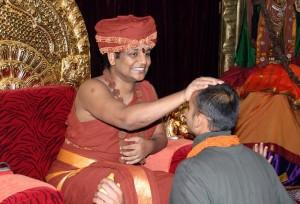 2014-06jun-11-nithyananda-diaryIMG_4531_bidadi-Kalpatharu darshan