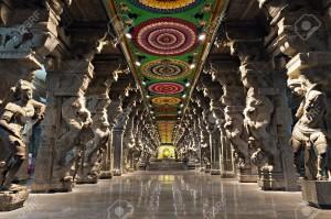15547305-a-l-intérieur-du-temple-hindou-meenakshi-à-madurai-tamil-nadu-inde-du-sud-salle-religieuse-de-millier